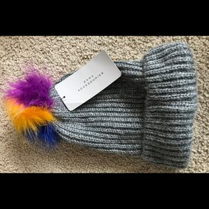 ZARA gray pom pom hat,M,NWT